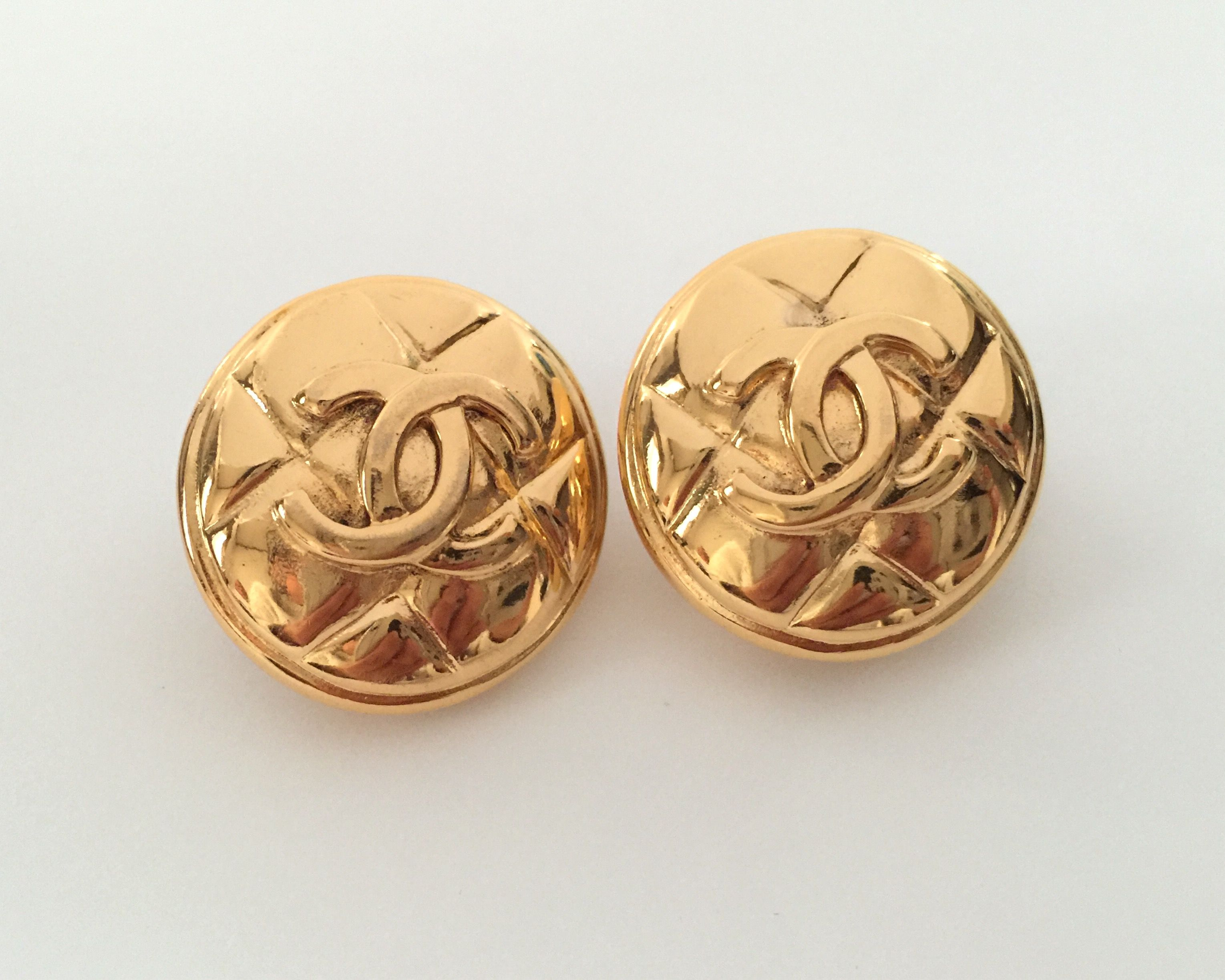 Authentic Vintage Chanel Cc Logo Quilted Medallion Earrings Vintage Chanel Vintage Chanel Jewelry Chanel Jewelry