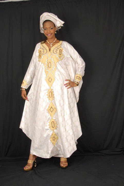 White African brocade grand boubou with gold embroidery | Kleider ...