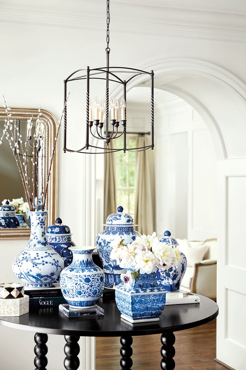 10 Things To Put On Your Dining Table When You Re Not Entertaining Blue Decor Blue White Decor Dining Room Table Centerpieces