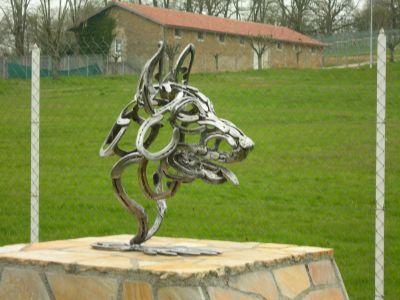 Sarl Olika Tornac Sculptures En Fer A Cheval Fer A Cheval Deco Cheval Fers A Cheval Artistiques