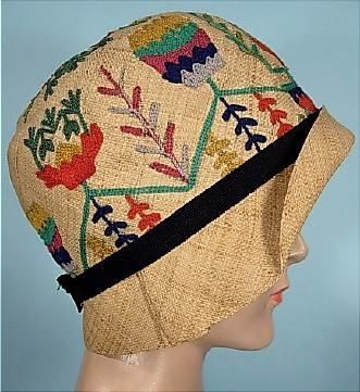 1928 DAMACELLA Natural Straw Cloche with Embroidered Colorful Yarn