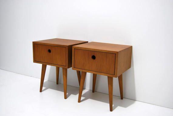 229 Pair Of Bedside Tables In Dark Oak Dimensions Width 40 Cm