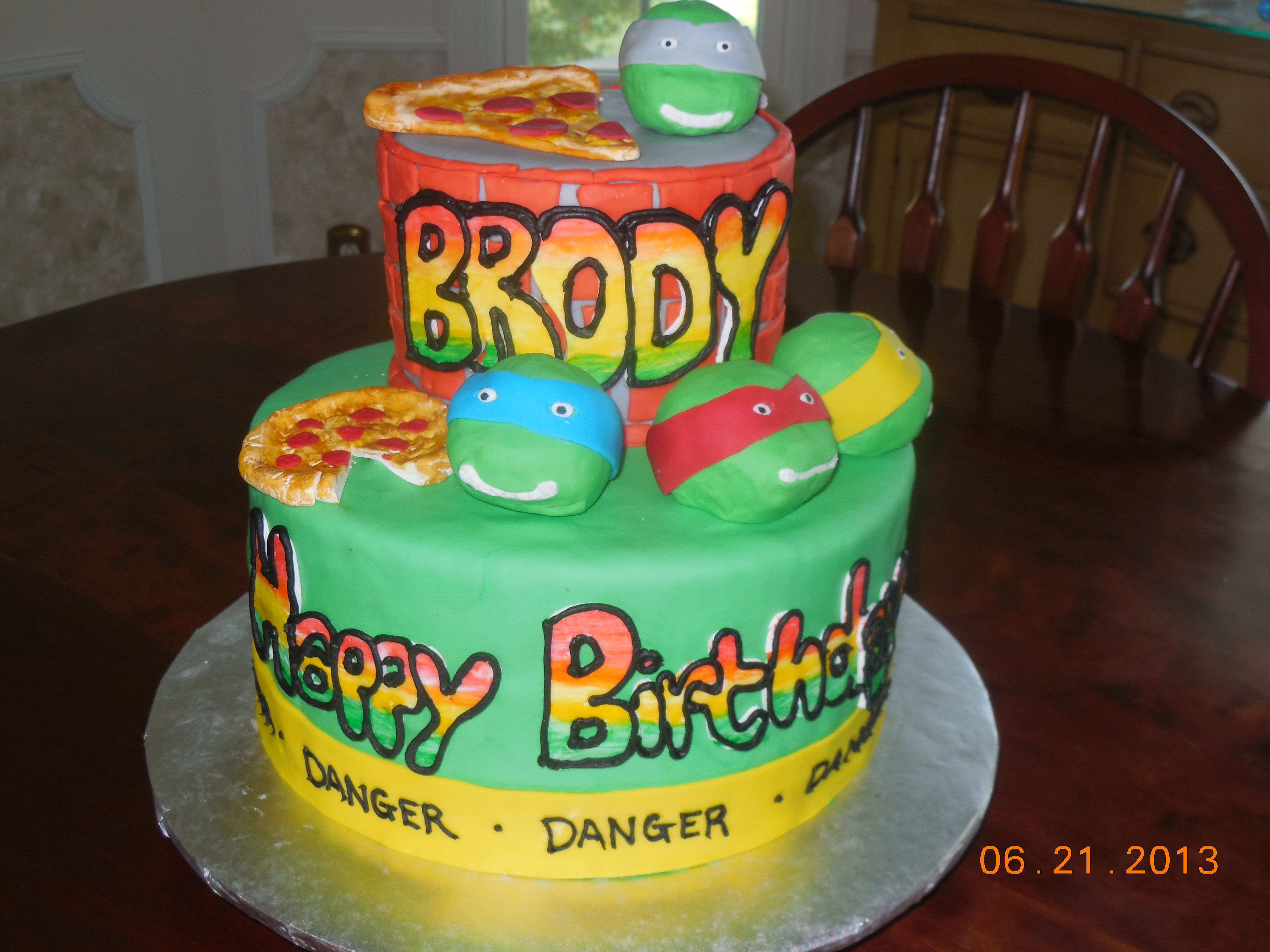 Birthday Cake Images Dow : teenage mutant ninja turtle birthday cake! with graffiti ...