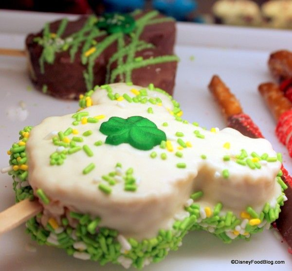 Disney St. Patrick's Day Mickey Rice Krispie Treats http://mousetalestravel.com/aimee-best-quote-form/