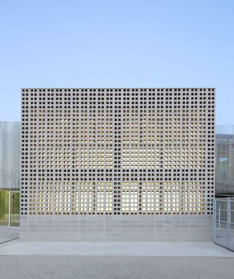 Exteriorhouse Wall Design: Gallery Of Rossend Montan School / GGG - 8