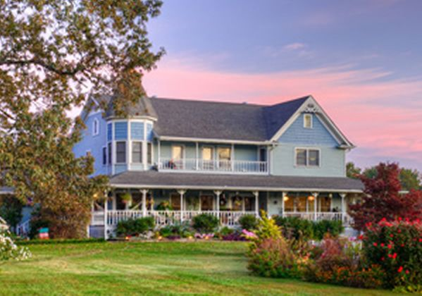 Blue Mountain Mist Inn Cottages Bed Breakfast Sits On 60