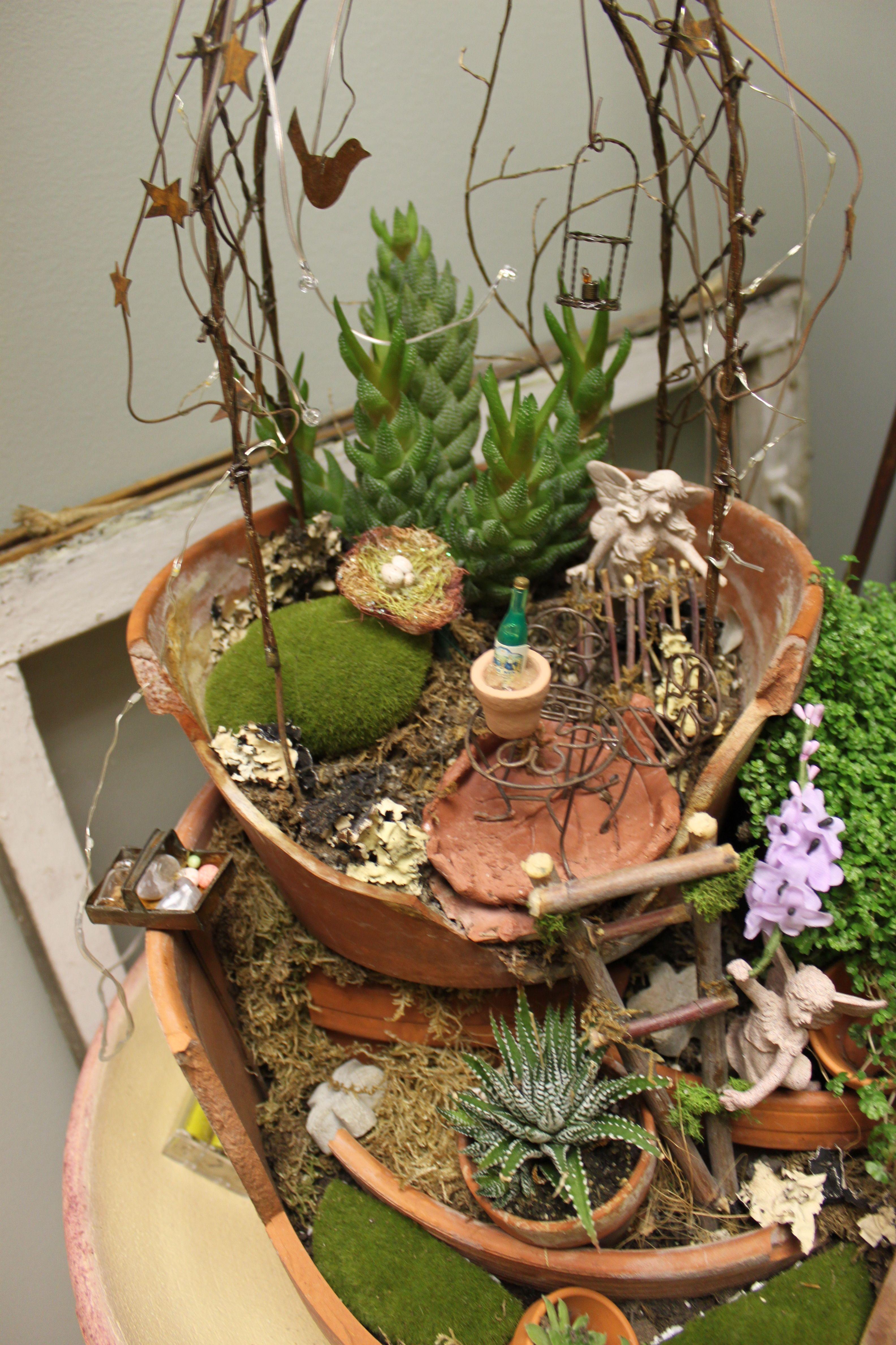 broken pot fairy garden fairy wonderland broken pot. Black Bedroom Furniture Sets. Home Design Ideas