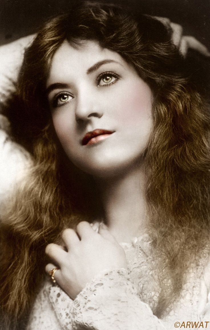 Glamour Girl Actress - Maude Fealy - The Graphics Fairy