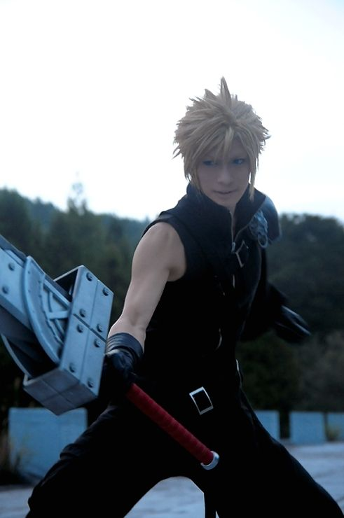 Cloud Strife - Kaname Kaname is my FAVORITE cosplayer