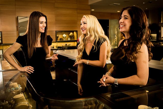 Meet the leading ladies of beverly hills pawn cory - Hollywood hills tv show ...