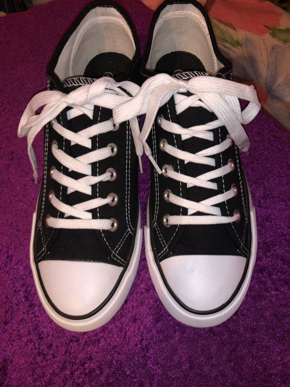 Brand NEW CONVERSE look alike Size 6 on