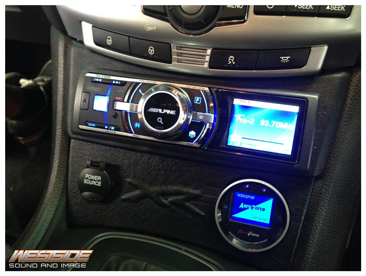 Ford Fg Xr6 Turbo Fitted With An Alpine Ida X305s Head Unit With