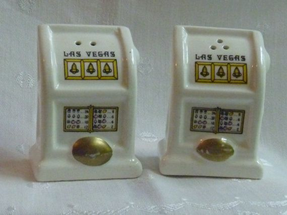 Las Vegas Vintage Slot Machine Salt /& Pepper Shakers