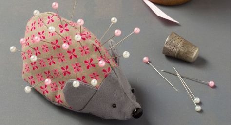 Tutoriel de couture: réaliser une épingle à pointes Hérisson, en imprimant son motif et en suivant son pas à pas en images, facile à réaliser! – 1000 idées à faire à la maison   – sewing tips