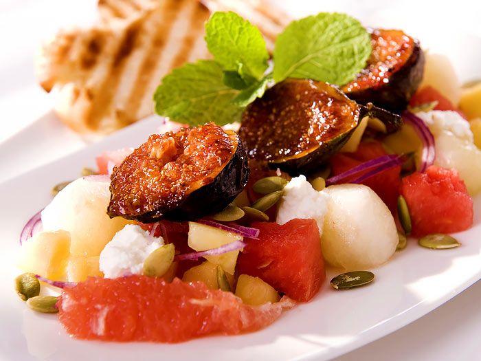 Zoete salade met gekarameliseerde vijgen