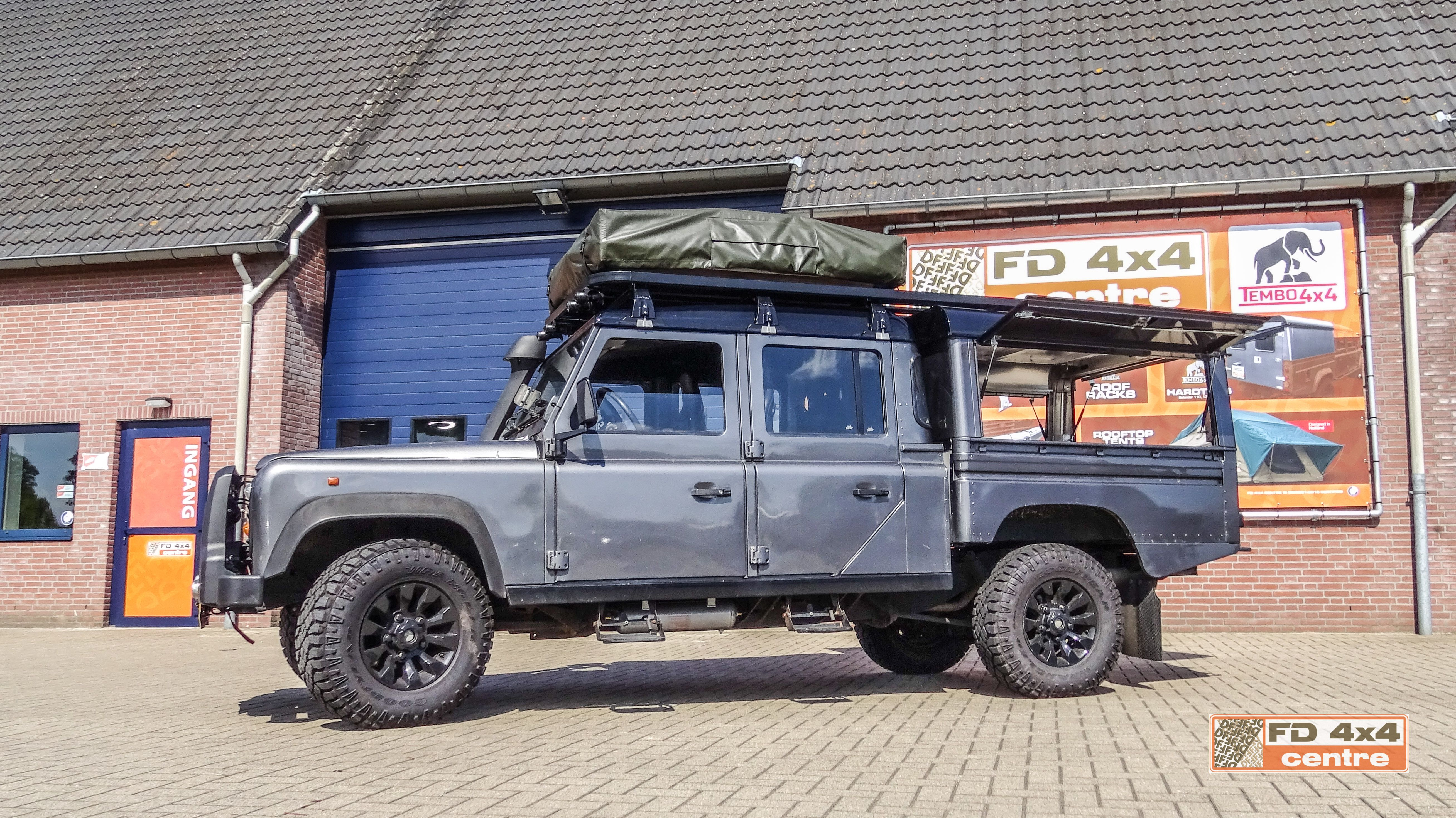 Tembo 4x4 hardtop and roof rack on a land rover defender 130