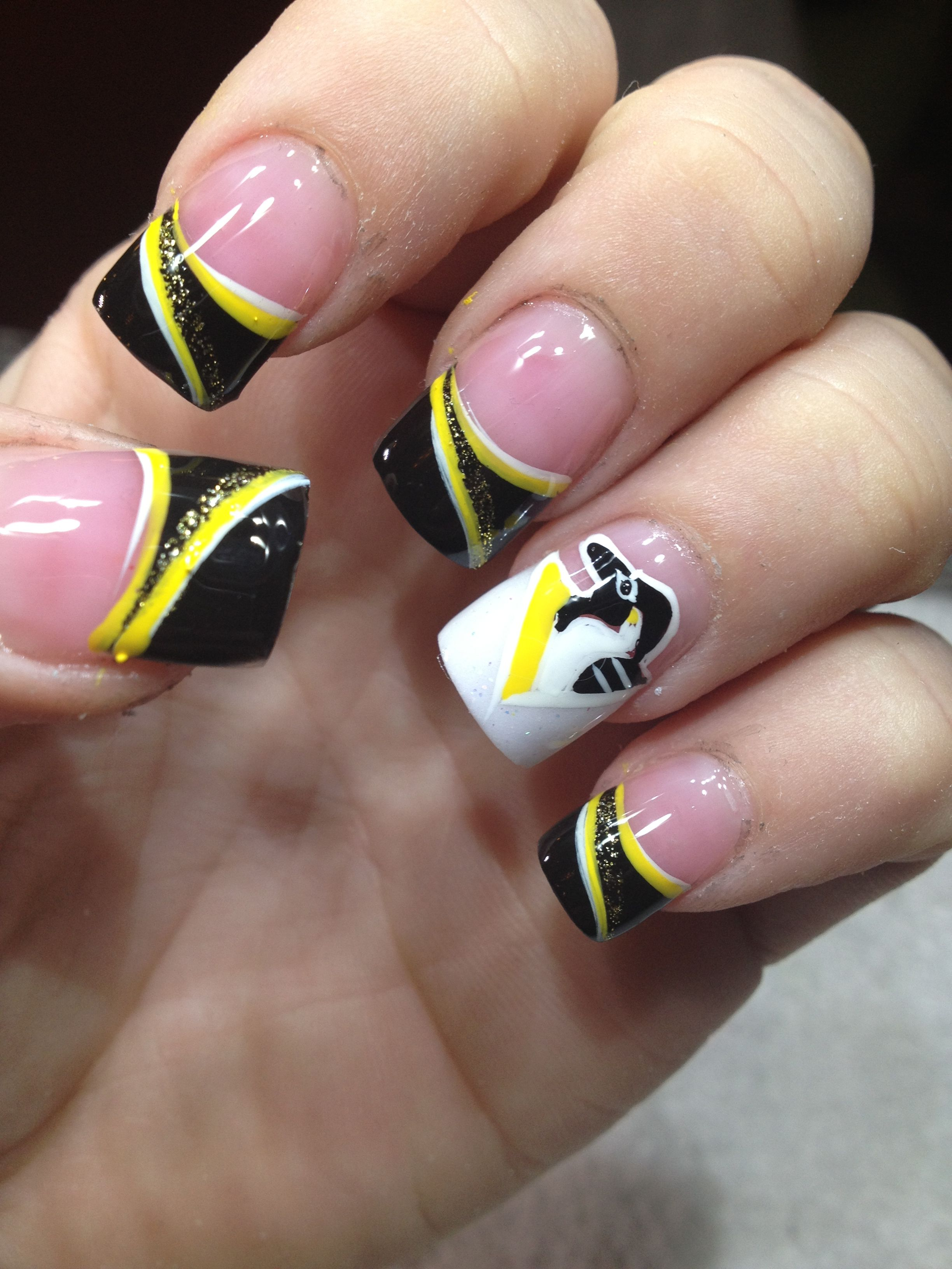 old pens logo manicure... hockey nails - Hockey Nails | Pinterest