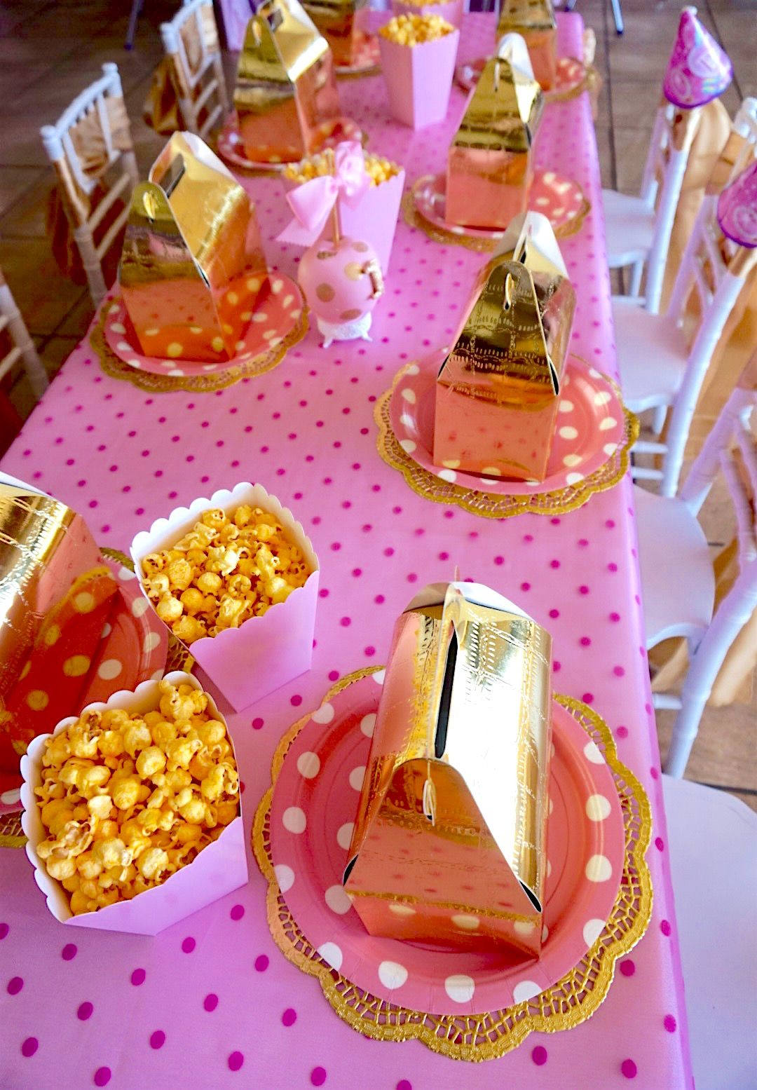 Kids Birthday Table Setting, including Popcorn & Goodie Bags | "|1080|1555|?|en|2|e56c7e8d325407e4704fa5b95984b433|False|UNLIKELY|0.3440214693546295
