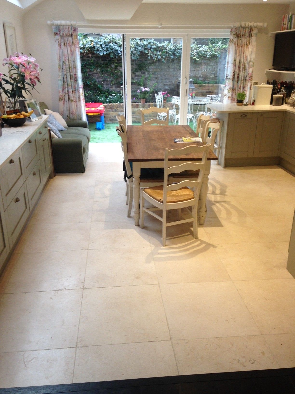 Limestone Kitchen Floor Tiles Light Jerusalem Tumbled Limestone Laid In A 600x600 Size On This