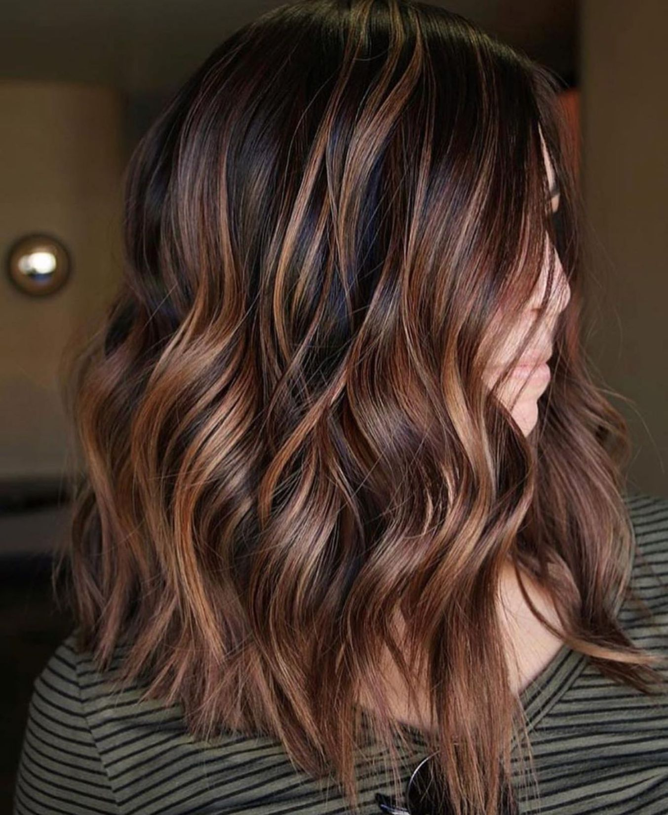 60 Hairstyles Featuring Dark Brown Hair With Highlights Chocolate Copper Balayage For Black Hair B In 2020 Brown Hair Balayage Medium Length Hair Styles Brown Balayage