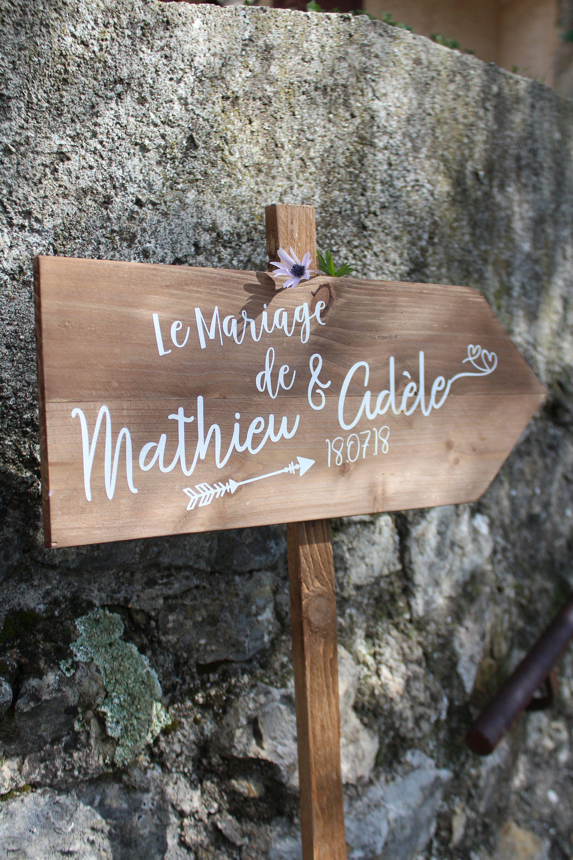 Pancarte bois de palette originale à personnaliser pour décoration de mariage champêtre