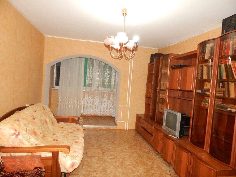 Предлагаем для долгосрочной аренды в Ставрополе  2 - комнатная квартира по адресу Краснофлотская 42/117,, ремонт косметический,кухонный гарнитур, 2-х спальная кровать, мягкая мебель, б/у хорошая, общей площадью 51.8 кв.м, дом Кирпич, Центральное отопление, Газ-плита, наличие бытовой техники - стиральная машина (+), холодильник (+), телевизор (+),парковка стихийная, номер объявления - 33378, агентствонедвижимости Апельсин. Услуги агента только по факту заключения договора.Фотографии…