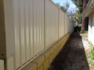 400mm Sleeper Retaining Wall With Fence On Top Courtyard Gardens Design Limestone Wall Retaining Wall
