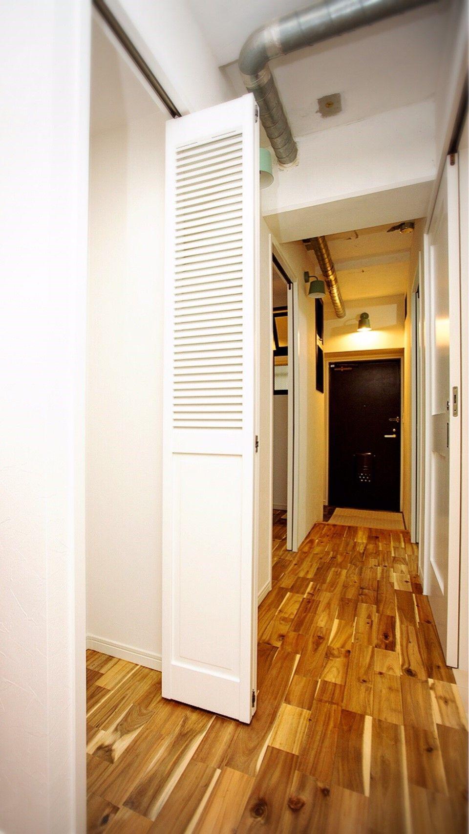 玄関ドアにポイントカラーを使ったコーディネート。 #アレンジ