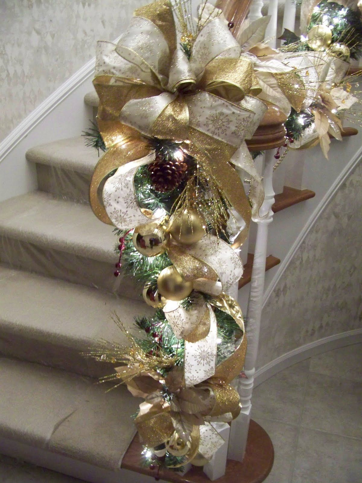 Gold Staircase Garland I M In Love With This One Gold