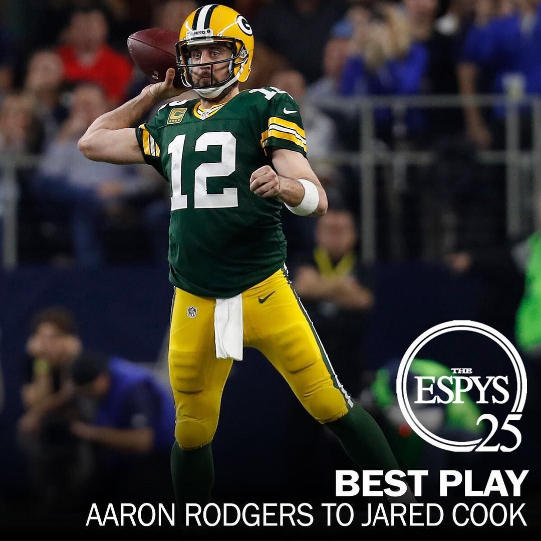 Espys Best Play Aaron Rodgers Incredible Sideline Completion To Jared Cook In The Nfc Divisional Playoff Game At Da Aaron Rodgers Jared Cook The Incredibles