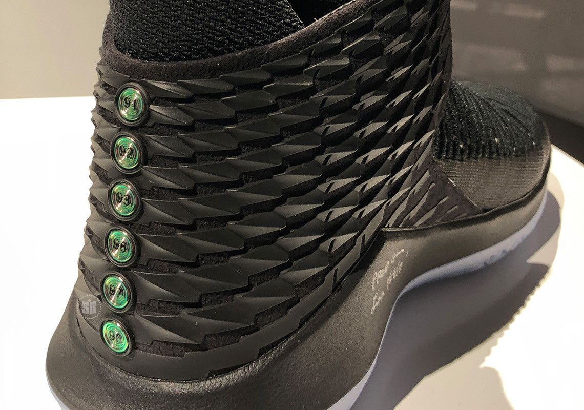 c6b302dbf4c7 The Air Jordan 32 Black Cat Honors Michael Jordans Six Championship Rings