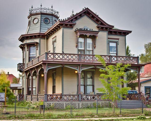 Dr h j mueller house from columbia street mansard for One story queen anne