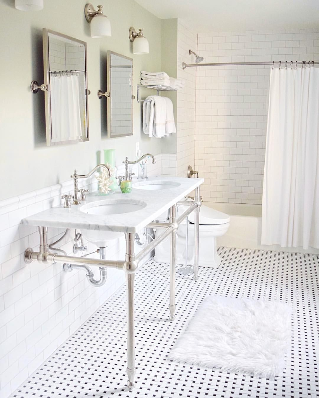 Modern farmhouse bathroom with white subway tile black and white house dailygadgetfo Images