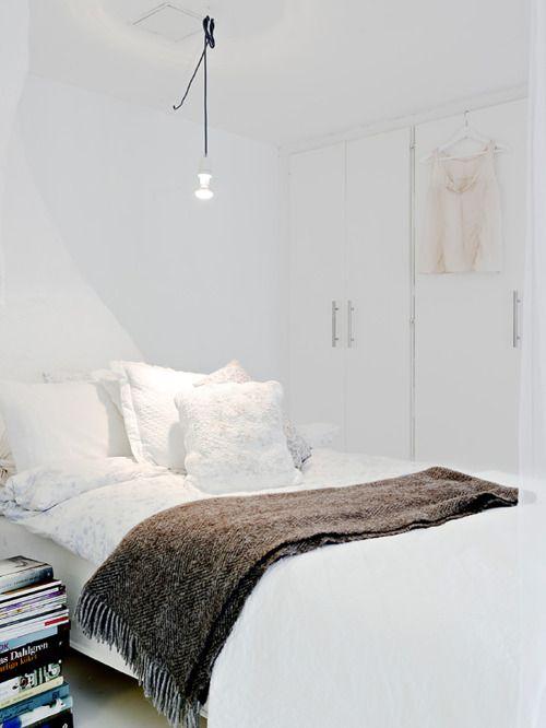 white on white Bedroom Pinterest Inspiration chambre, Chambres
