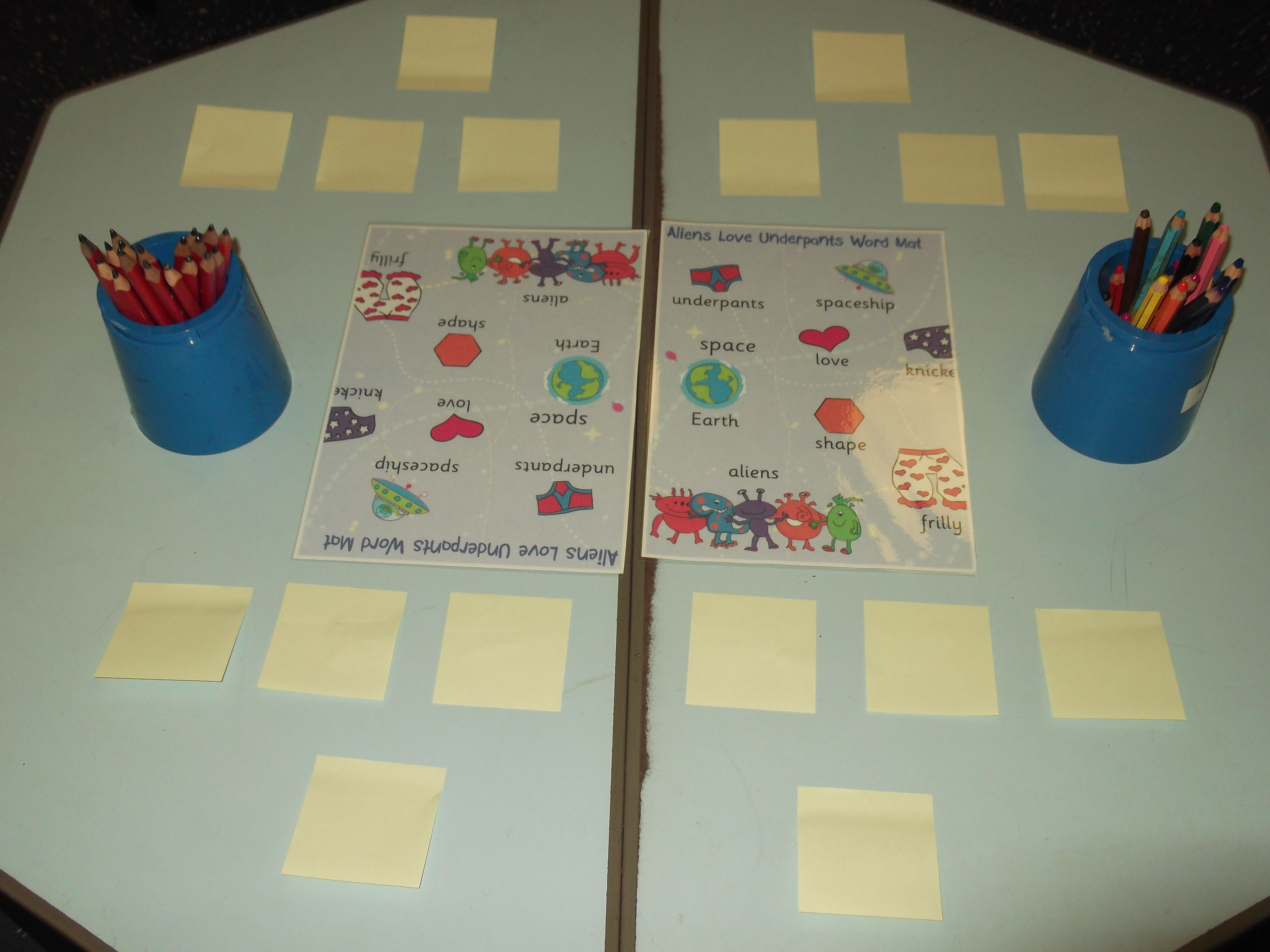 Aliens Love Underpants Word Mats Cover Table With Post It Notes