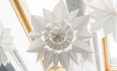 windlichter aus t ten basteln pinterest basteln weihnachten sterne aus papiert ten und. Black Bedroom Furniture Sets. Home Design Ideas