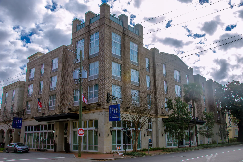 Tryp By Wyndham Savannah Downtown Historic District Savannah Ga Formally B Historic Savannah Hotel Savannah Chat Savannah Hotels Savannah Historic District
