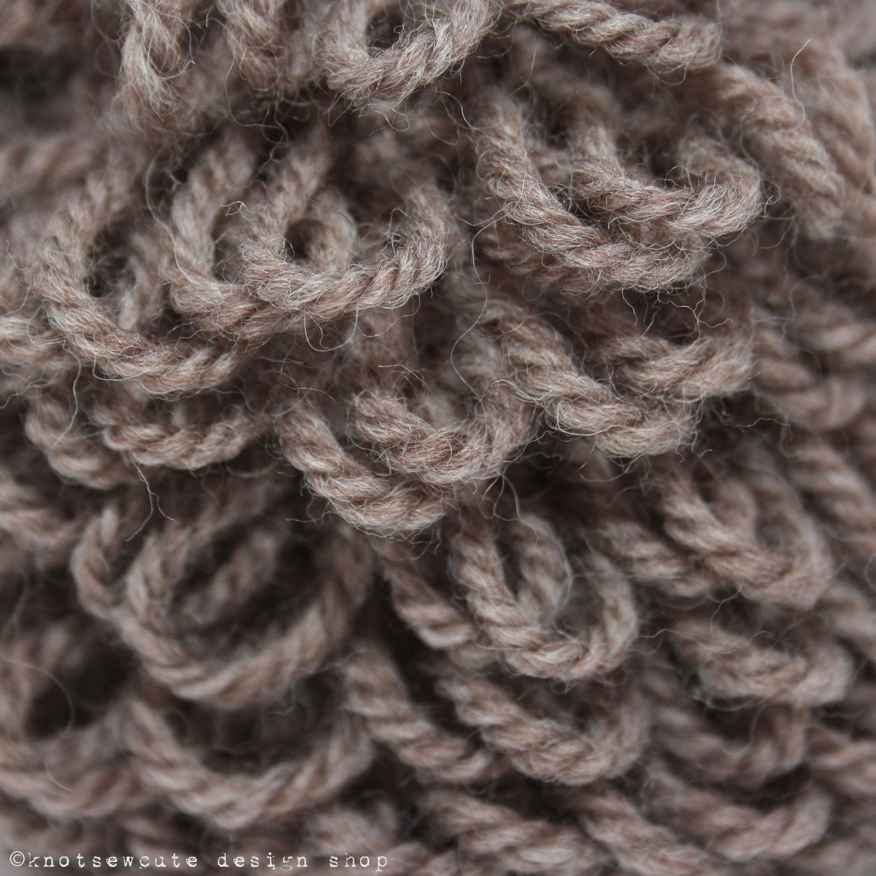 knot•sew•cute design shop: how to crochet the loop stitch.