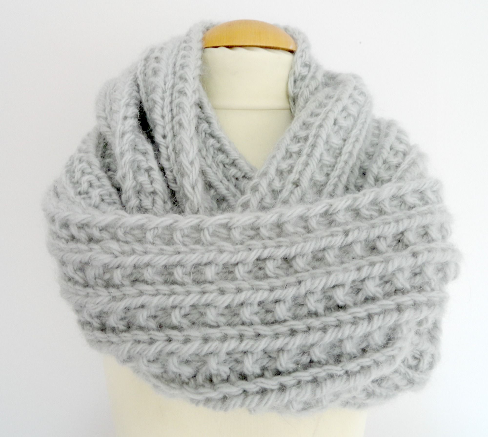 tricoter un snood au crochet