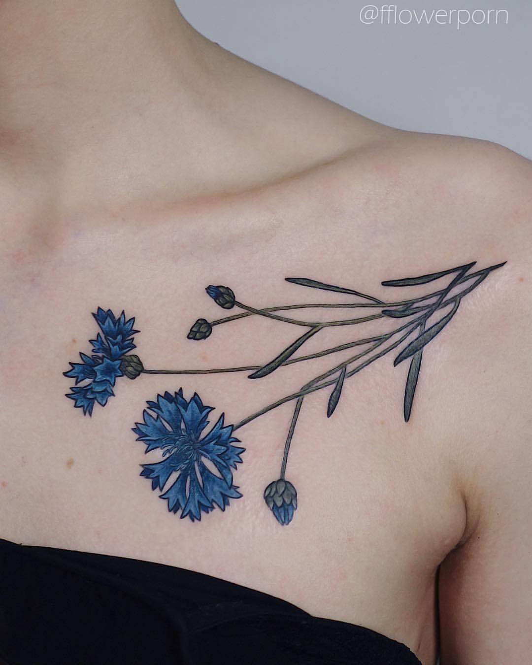 a2001877fefa8 Awesome Cornflower Tattoo On Arm | piercing | Tetování, Květinový ...