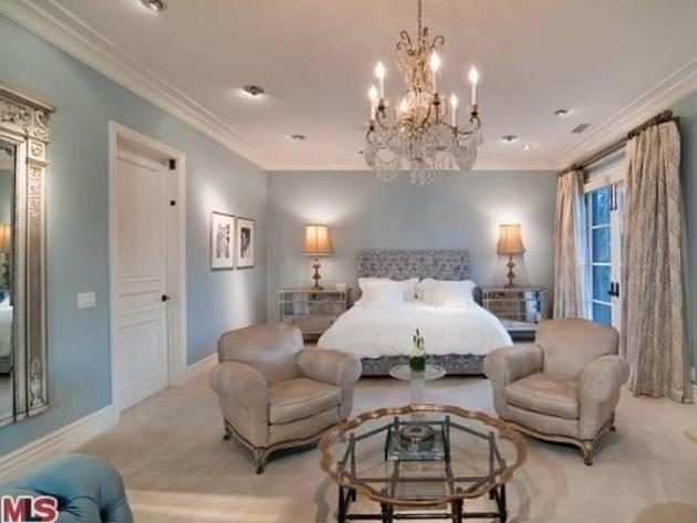 20 Celebrity Master Bedrooms You Will Envy Blue master bedroom