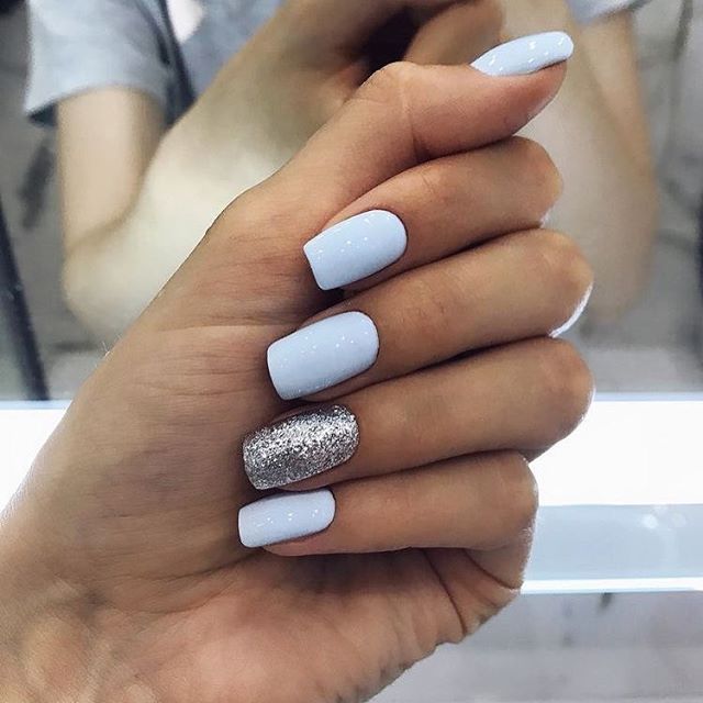 Mismatched light blue and silver nail design | Diseos de ...