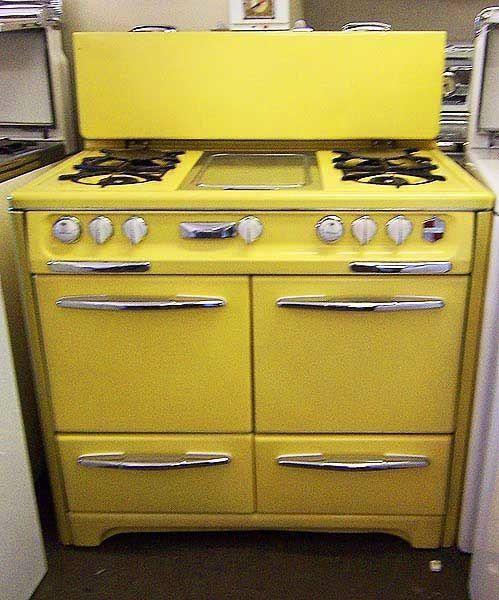 Vintage yellow Yellow kitchen, Retro kitchen, Vintage stoves