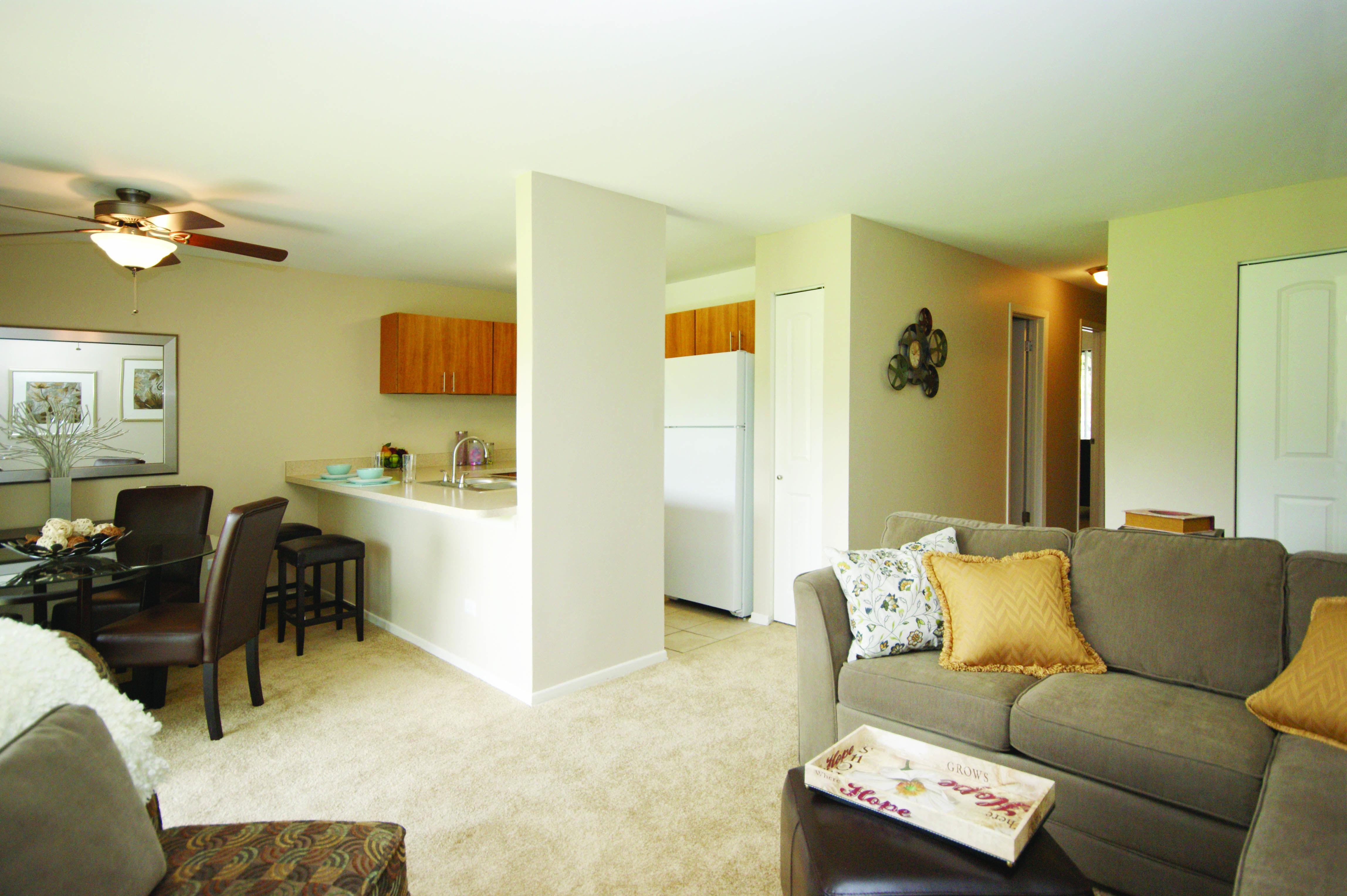 331 425 6522 1 2 Bedroom 1 2 Bath Addison Of Naperville 1598 Fairway Drive Naperville Il 60563 Naperville Home Apartments For Rent