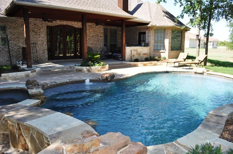 Forney tx inground swimming pool synthetic lawn surfaces for Swimming pool patio designs