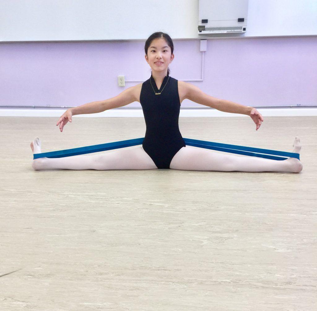 Ballet middle splits giveaway dancer stretches ballet