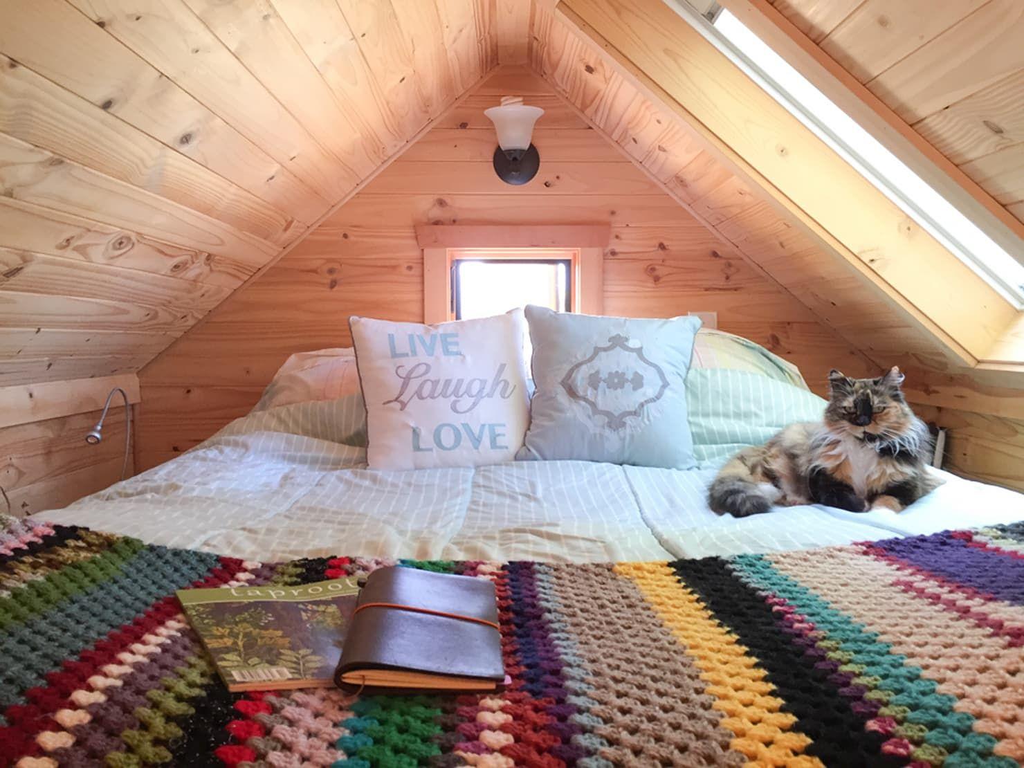 Aussergewohnliche Und Gemutliche Schlafnischen Homify In 2020 Dachboden Dachboden Schlafzimmer Ideen Schlafboden