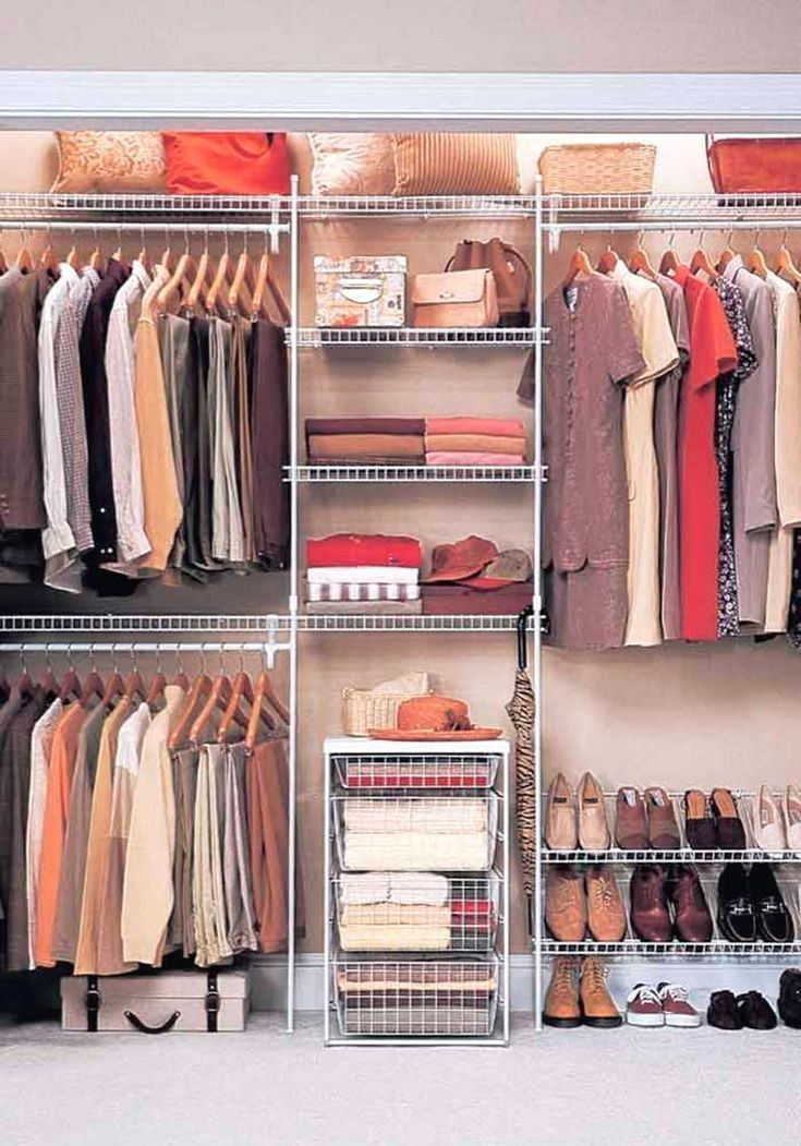 Prepare for major closet envy! These wire shelves provide so much more space for even the tiniest of closets. #homeorganization #homedecor #organization #declutter #masterbedroom #mastercloset #closetorganization