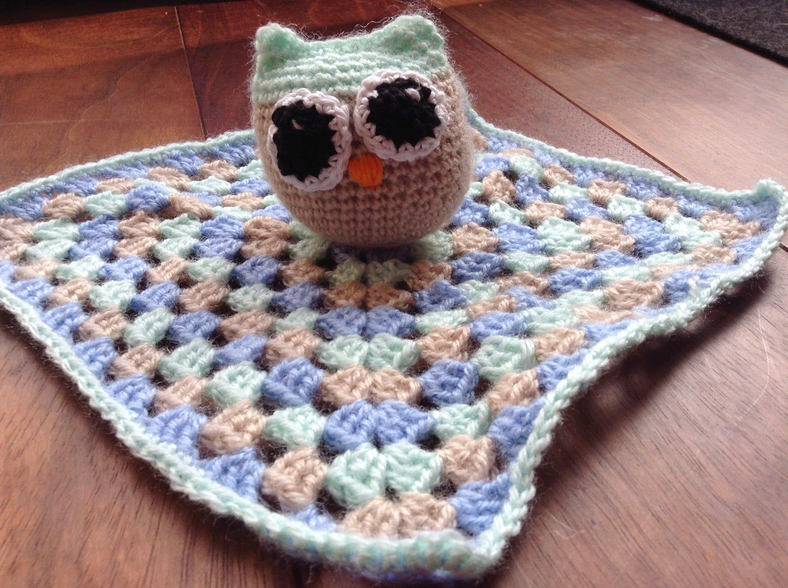 Handmade by Mooow: gehaakt baby tutteldoekje uil