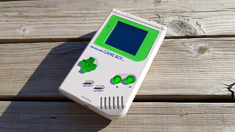 I made another one: Original DMG-01 shell, green screen and